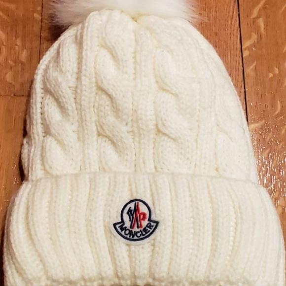 511ca30faab Moncler Thermal Warm White Pom Pom Hat Unisex. M 5c68c1c8c9bf50c32c7ed840